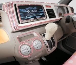 Автомобил с кристали Сваровски