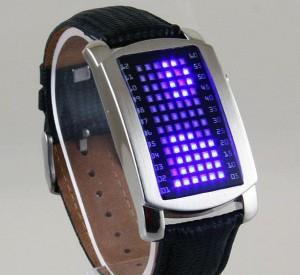 красив LED часовник
