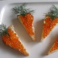 Сандвич с хайвер под формата на морков